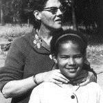 129.   Sandra Laing with her mother, Sannie in about 1955 (www.forumdiversity.com)