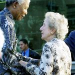 195. The end of a long struggle, Helen Suzman and Nelson Mandela (Gallo Images)